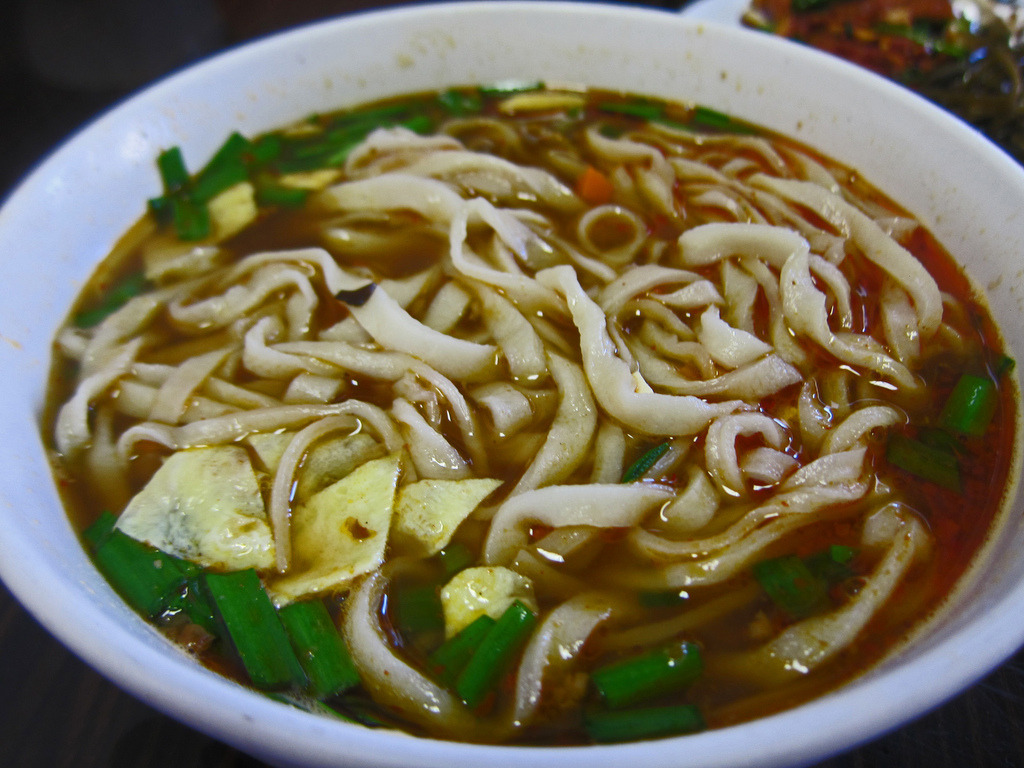 Spicy and Sour Soup with Hand Pulled Noodles - Shaanxi Gourmet (by mmmyoso)