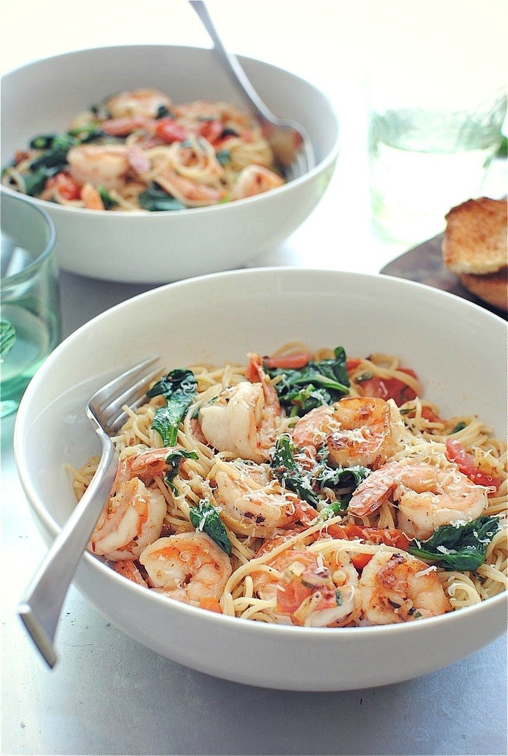 Shrimp Pasta with tomatoes, lemons, and spinach via beautiful-foods