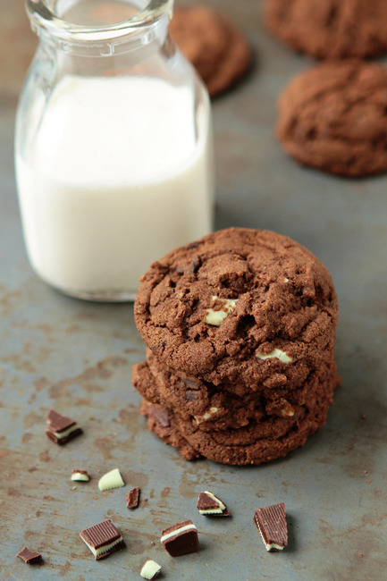 Chocolate Cookies with Thin Mints