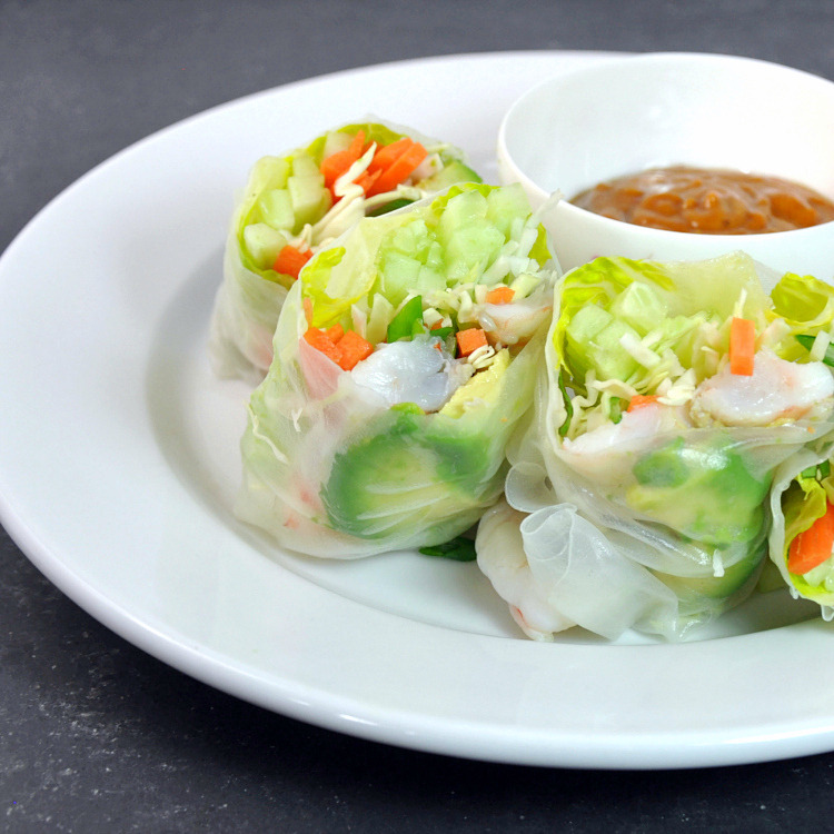 Fresh Spring Rolls With Shrimp And Peanut Dipping Sauce