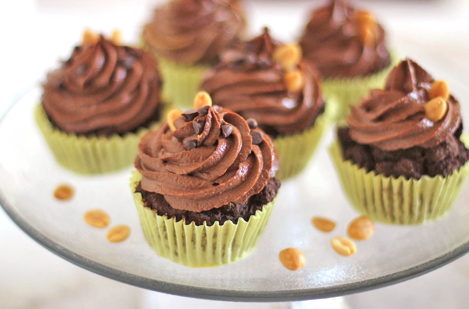 Recipe: Healthy Chocolate Cupcakes with Peanut Butter Filling & Chocolate Peanut Butter Frosting