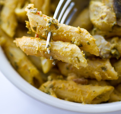 Acorn Alfredo Penne(Gluten-free & Vegan)o man. I can just taste the fall.so creamy. so delicious.Recipe here