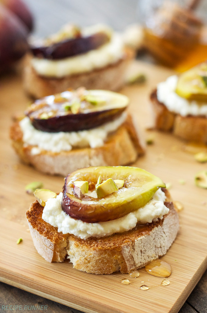 Caramelized Fig and Ricotta CrostiniReally nice recipes. Every hour.Show me what you cooked!